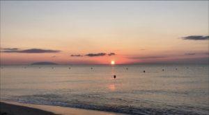 Lever de soleil sur la plage de Figaretto