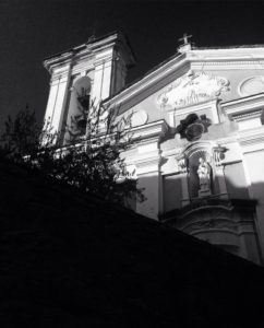 L'église de Sainte-Lucie de Talasani en noir & blanc